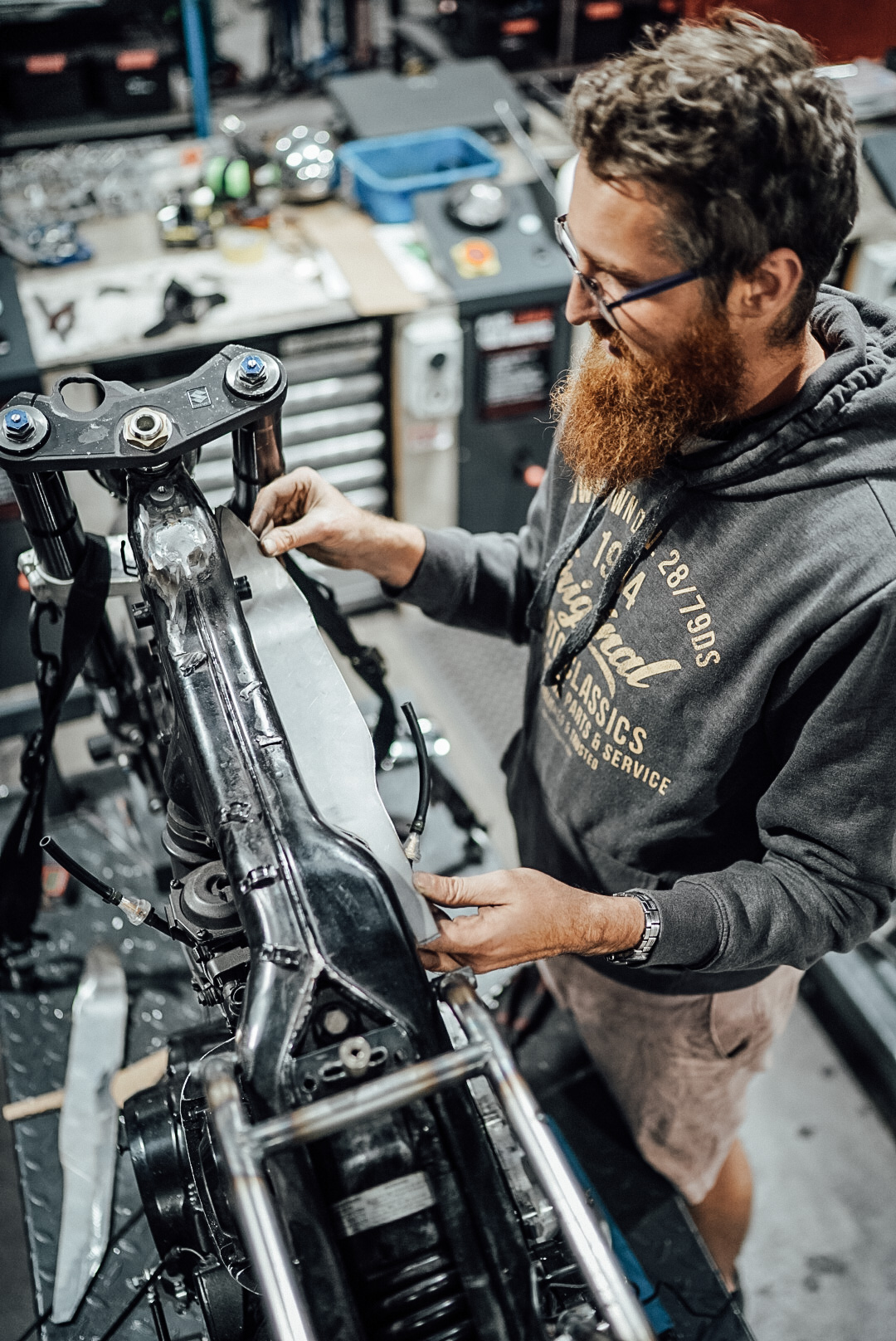 Kustom Kommune DIY Workshop XV750 Virago Cafe Racer Giveaway Build
